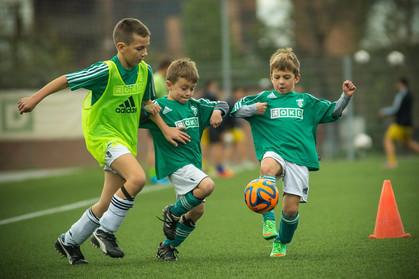 Intercâmbio esportivo possibilita experiência dos craques do futebol Europeu