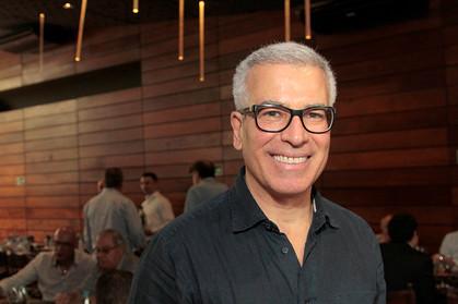 Almoço beneficente com palestra de Oscar Schmidt é realizado no restaurante A Figueira Rubaiyat