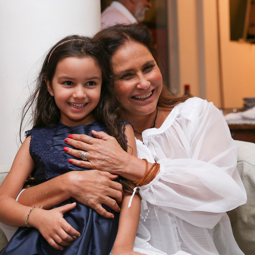 Fafá de Belém e sua neta Laura
