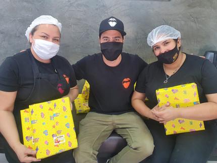Papila Deli presenteia filhos dos funcionários no Dia das Crianças