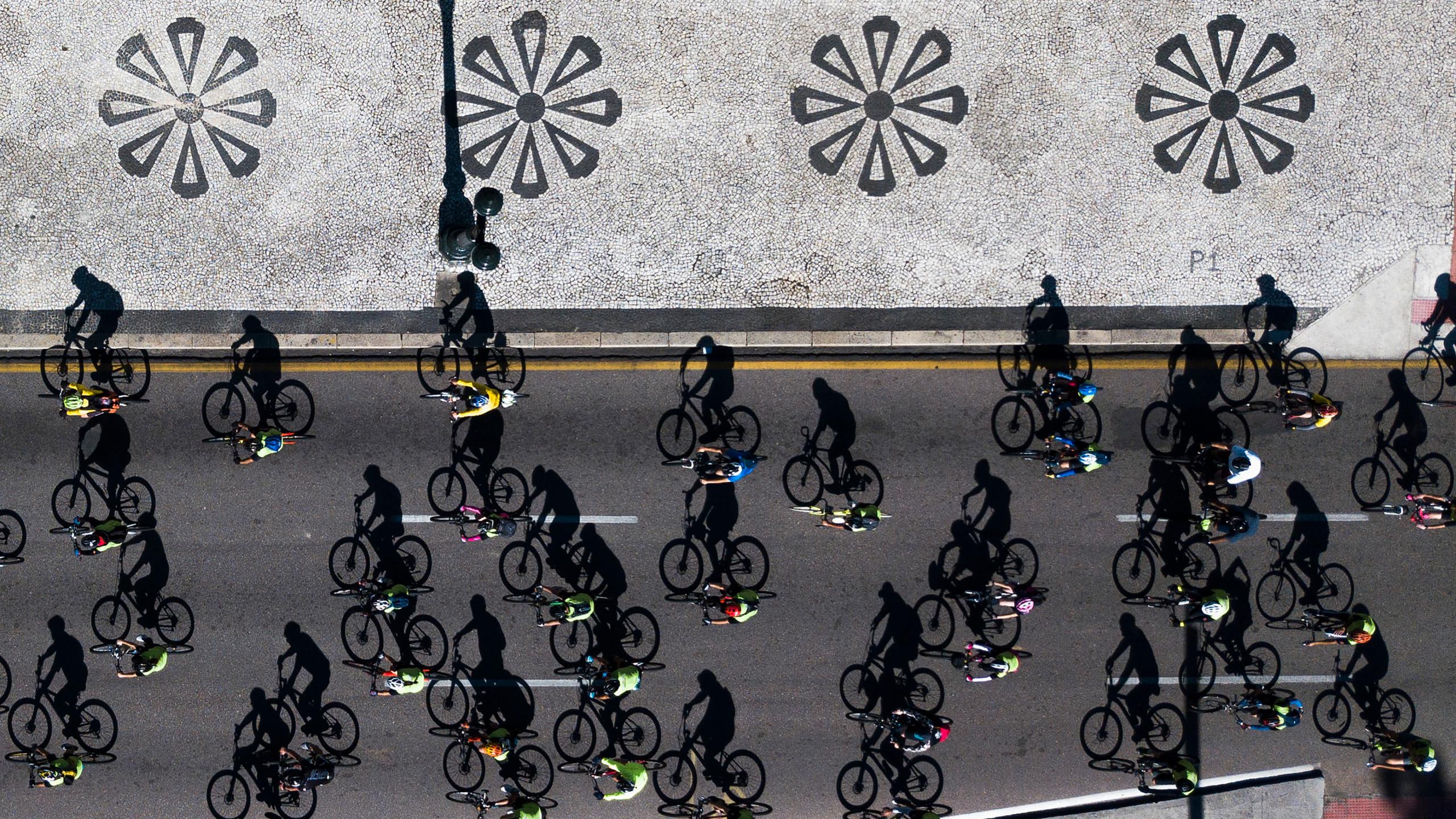 Sombras-bicicletas-01Daniel-Castellano