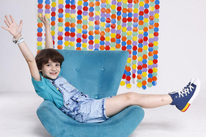 Brenno Kuusberg será Marcello, filho único de Hebe Camargo, na série da Globo