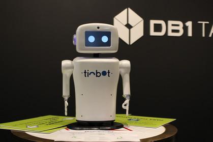 Robô com inteligência artificial Tinbot é finalista do Salão de Inovação no Rio Info