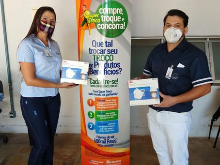 Campanha da Super Troco entrega 90 EPIs - Máscaras N95 à Santa Casa de Misericórdia de Jales
