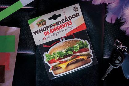 Aromatizador de carro com cheirinho de hambúrguer