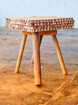 """Tabouret ou table d'appoint """"Brut"""""""