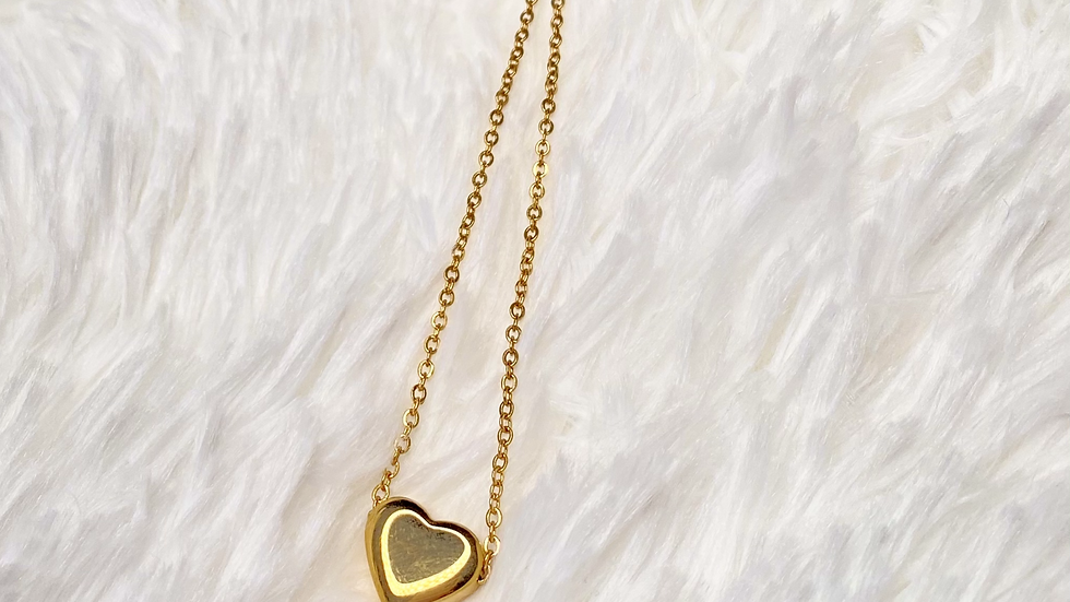 Gold Heart Pendant Dainty Necklace