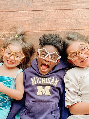 kids-on-nye_t20_nRyXJR.jpg