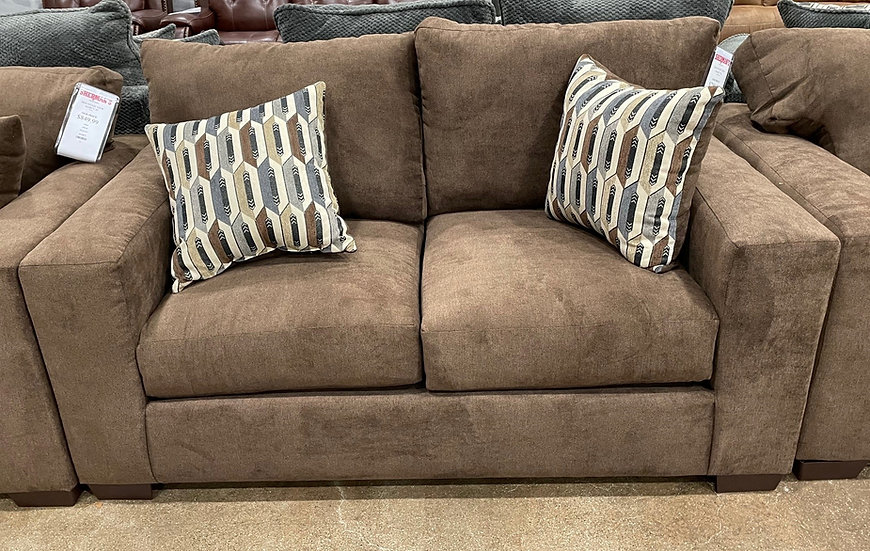 Mountain View Marcy Loveseat