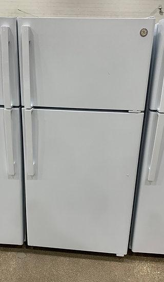 GE 15.6 CF Top Freezer Refrigerator White- 67515