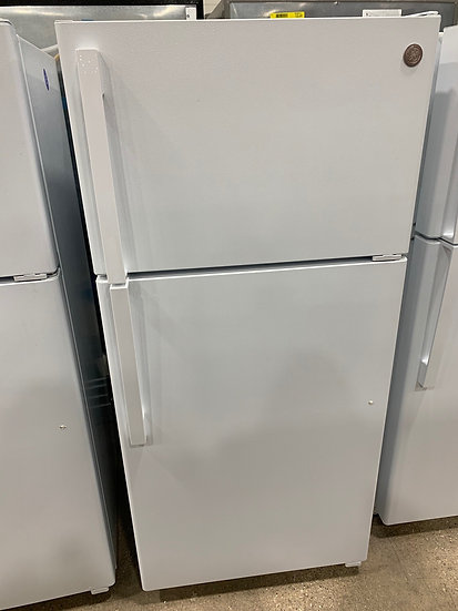 GE 15.6 CF Top Freezer Refrigerator White- 67533