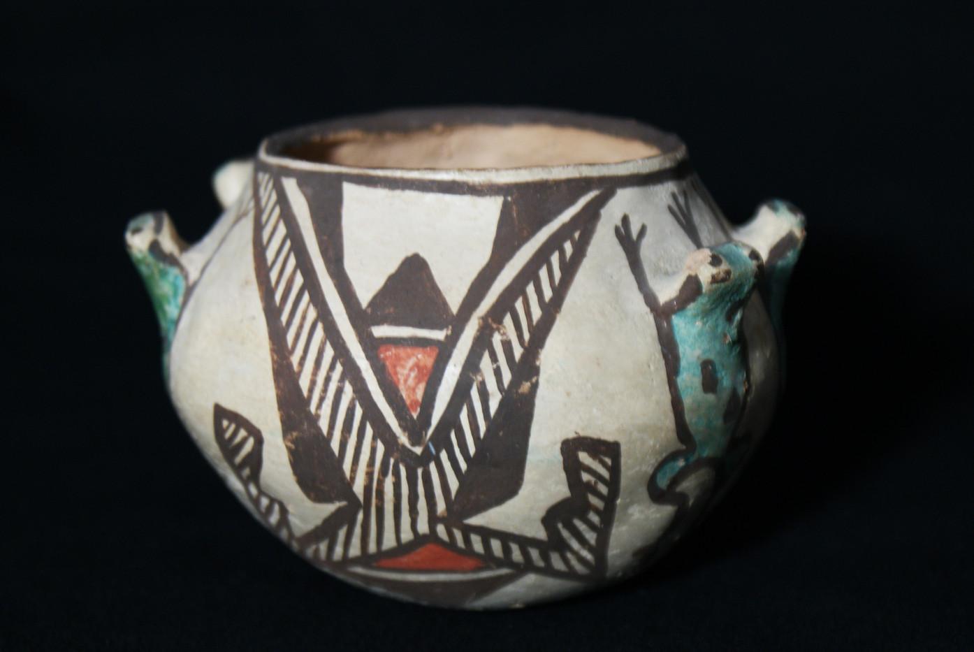 Zuni Pueblo Polychrome Pottery Frog Effigy Jar