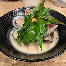 Stir Fried Lemongrass Coco Mussels