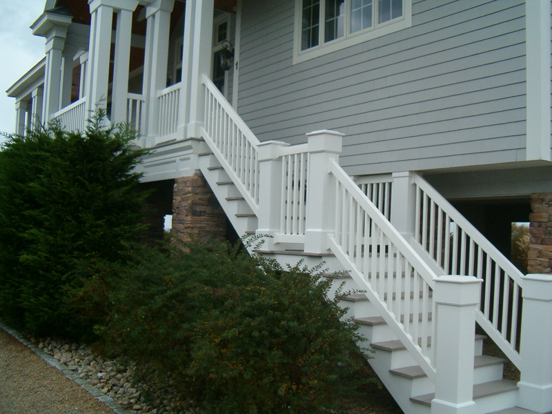 Railing + Custom Posts