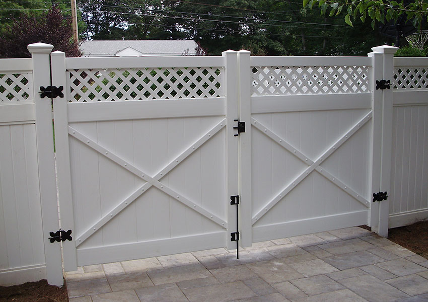Gate with Meadows Topper