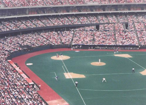 Reds vs Cubs, Riverfront Stadium. Public Domain, 1988.