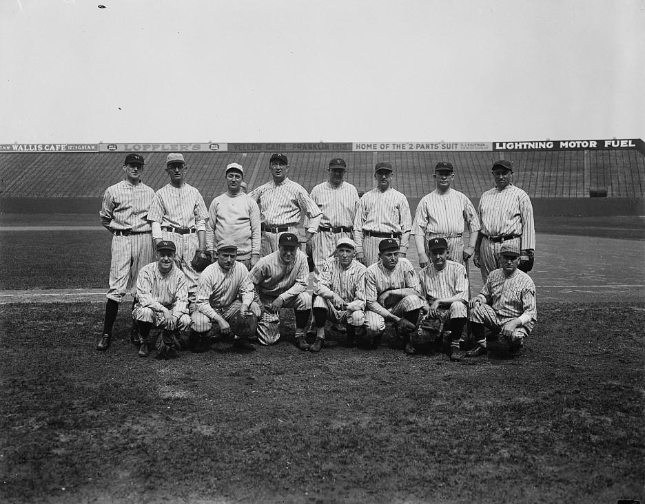 A Washington Senators team in the 1920's. Unknown year, Public Domain.