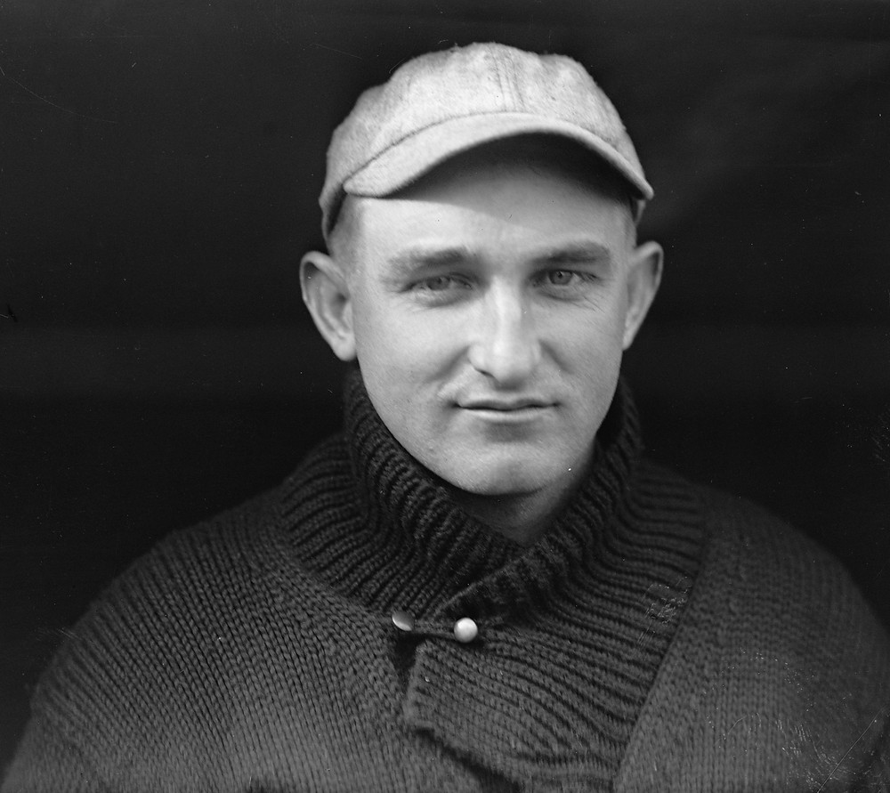 Carl Mays, 1915. Public Domain.