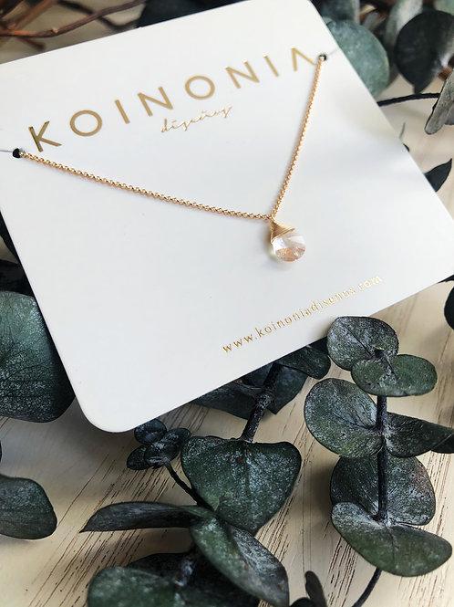 Collar semilargo gota blanca cristal swarovski / Oro laminado 18k