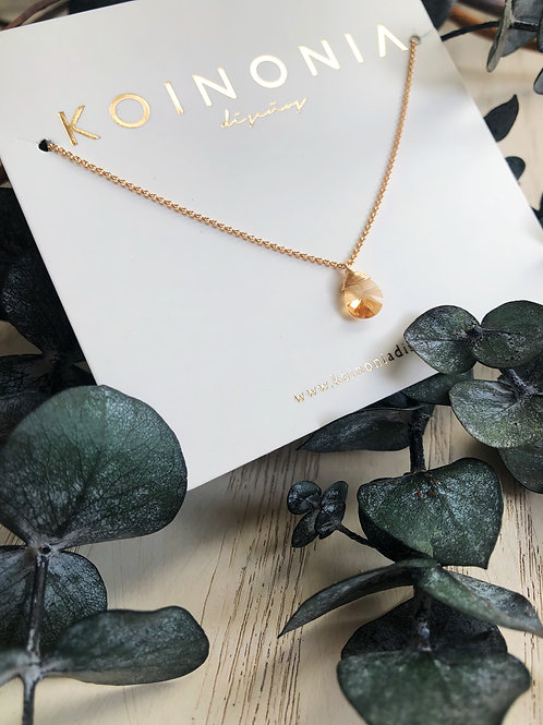 Collar semilargo gota beige cristal swarovski / Oro laminado 18k