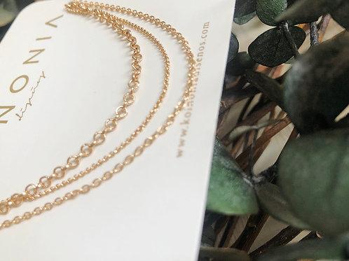 Collar triple básico / Oro laminado 18k