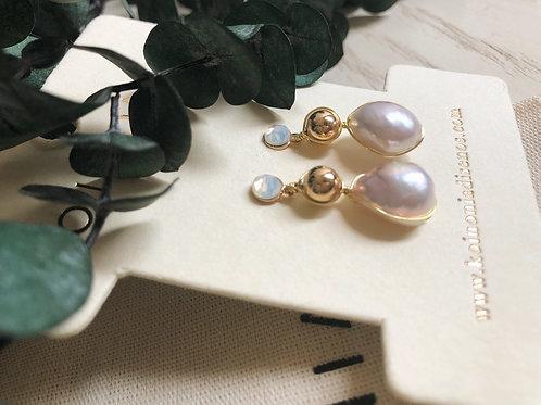 Arete linea con perla / Oro laminado 18k