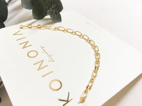 Collar JUNI básico con eslabón liso y texturizado / Oro lamino de 18k