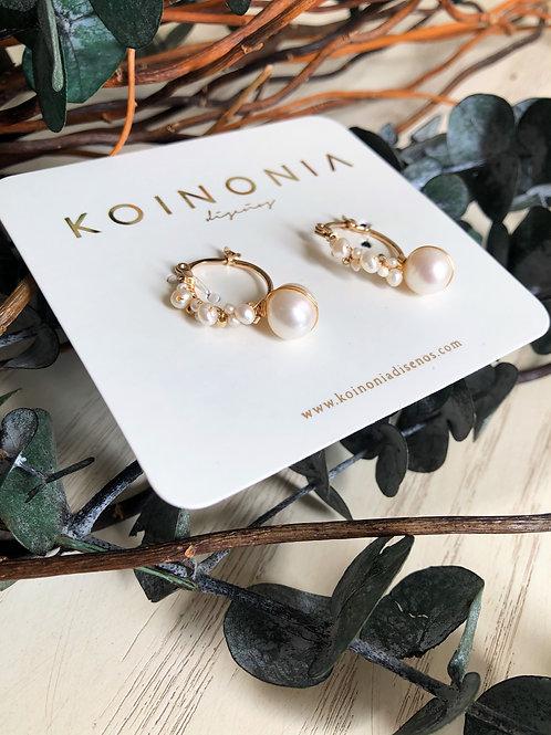 Arracada ESTELA con linea de perlas y perla blanca 9 mm / Oro laminad