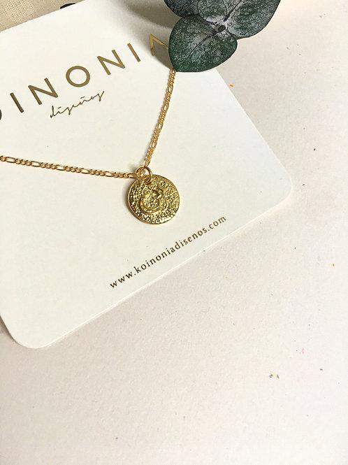 Collar circulo LUNA Y ESTRELLA / Oro lamino de 18k