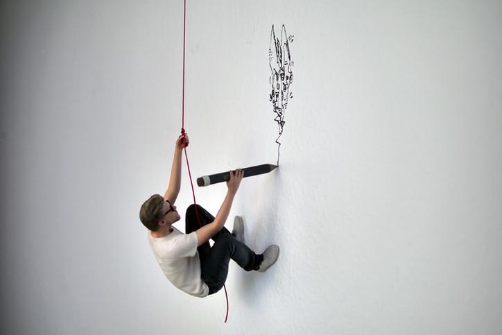 Hang up 2018 Installation: Miniatur des Künstlers (25 cm) 5 Ex. - ausverkauft