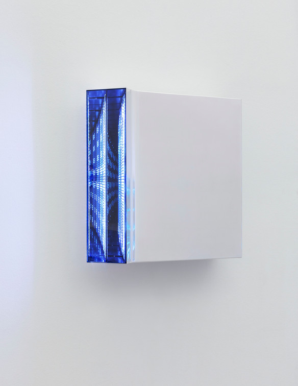Hans Kotter Light Code 2015/16 Spiegel, Plexiglas, Metall, LED, DMX-Fernbedienung 40 x 40 x 8 cm