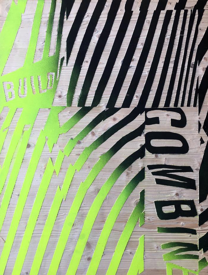 Kai Linke: BLASTED-Build (in Kooperation mit Pixelgarten), 2011,  Holz mit Lack, gesandstrahlt, 100 x 75 x 1,9 cm