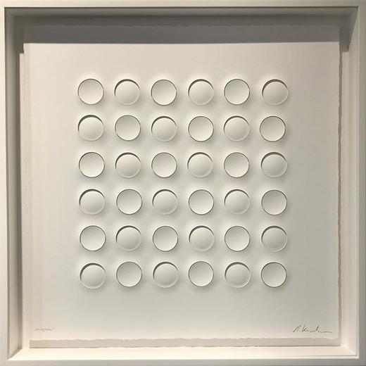 Ralph Kerstner konvexkonkav 2018 Prägung in Büttenpapier 55 x 55 cm