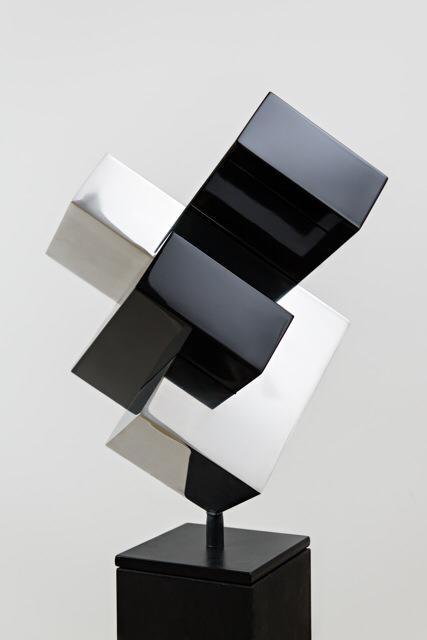 Ralph Kerstner Monza 2015 Stahlskulptur (schwarz silber) 60 x 50 x 60 cm
