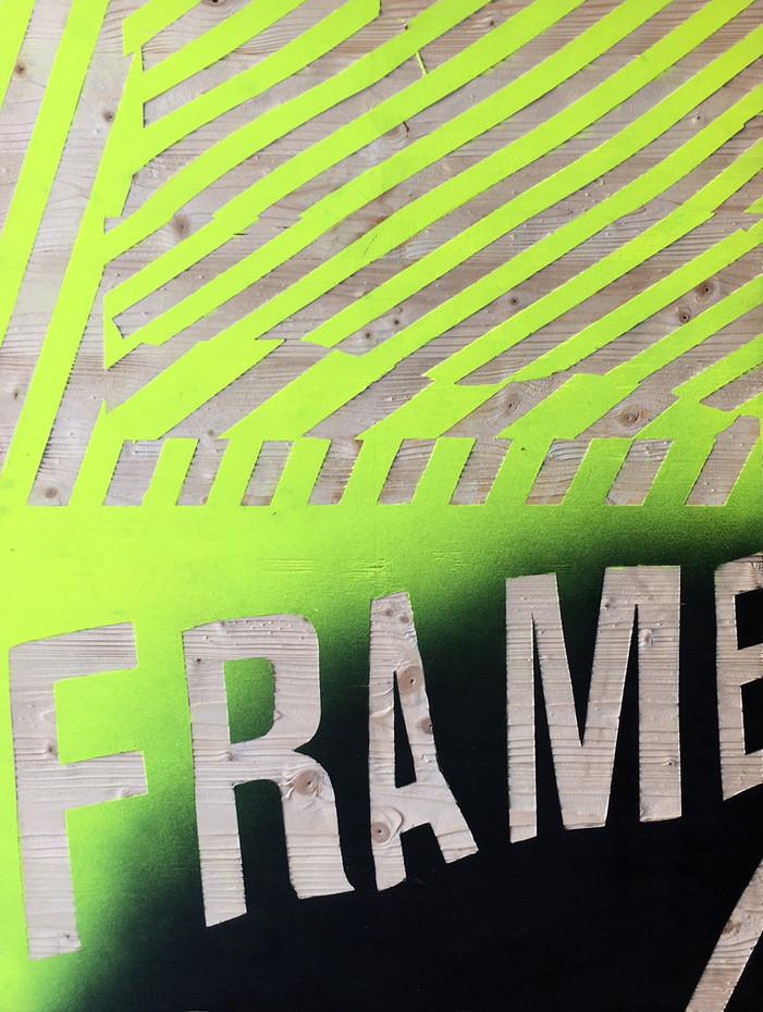 Kai Linke: BLASTED-Frame (in Kooperation mit Pixelgarten), 2011,  Holz mit Lack, gesandstrahlt, 100 x 75 x 1,9 cm