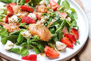 strawberry-smoked-salmon-salad-3.jpg