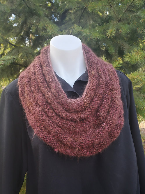 Angora Rippled Cowl Pattern