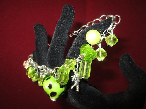 Green Glass Dangle Beaded Heart Bracelet
