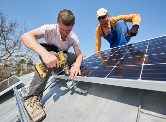 installing-solar-photovoltaic-panel-syst
