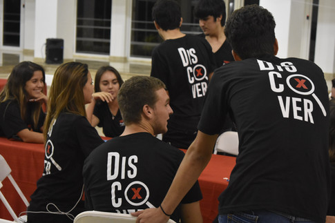Voluntarios Heritage School