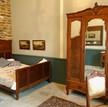Franse slaapkamer met twee twijfelaars