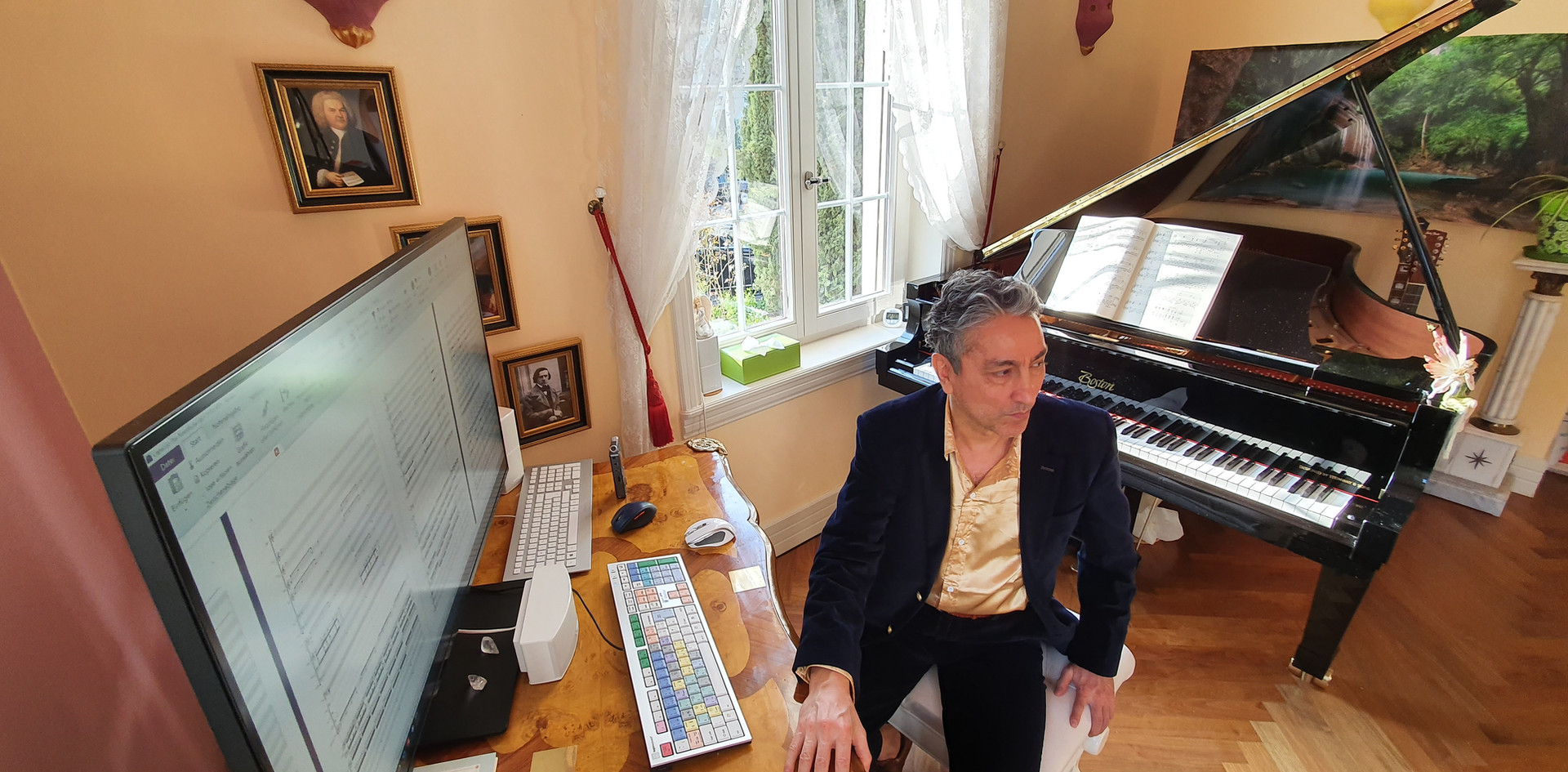 Saeed Habibzadeh - Beyond Notes - Music Studio 4 - Official