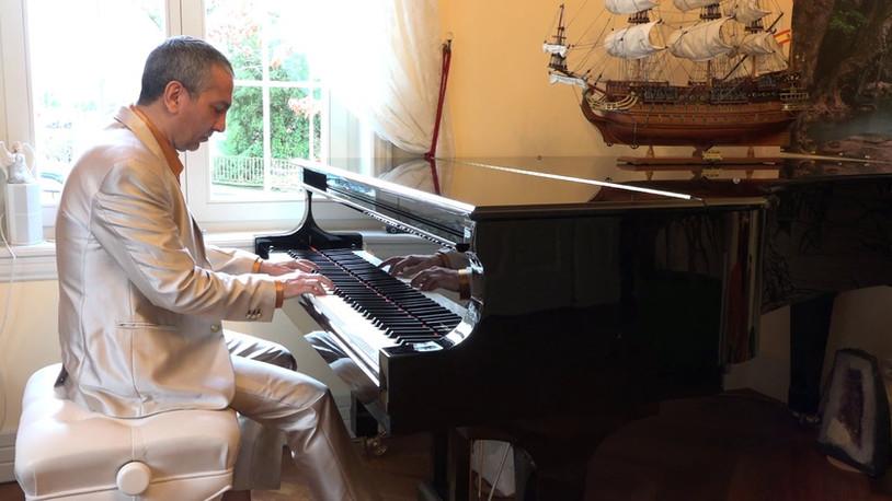 Piano work - Christmas Consolation (Music video)