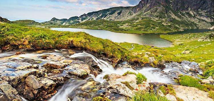 The-Tween-lake-of-Seven-Rila-Lakes.jpg