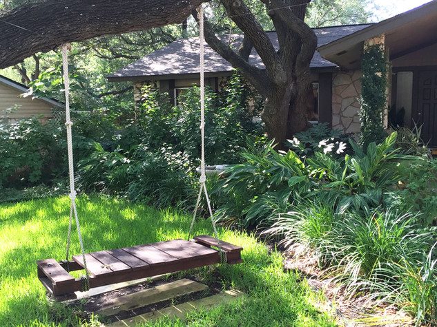 Custom-Swing-and-Lush-Gardens-in-San-Ant