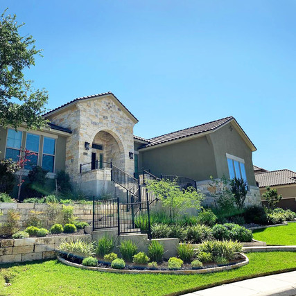 Large-Custom-Home-in-Stone-Oak.jpg