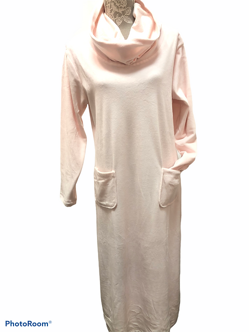 Velour Lounger in soft pink
