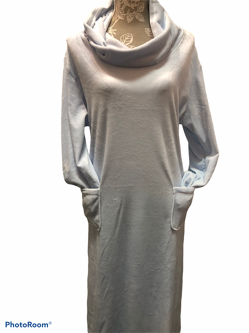 Velour Lounger in Baby Blue