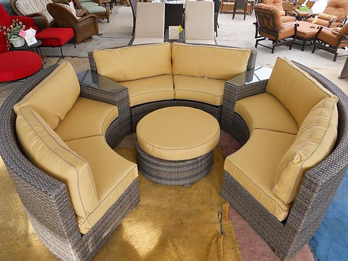 Curved Resin Wicker Seating #32673