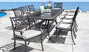 Outdoor Dining Groups